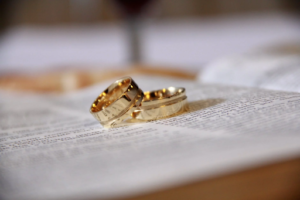 Buying Gold Wedding Rings For Someone Special This Valentine's Day